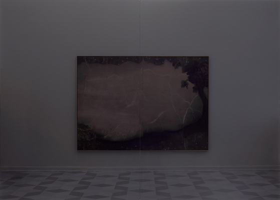 Glass, 84.5 x 118 in. / 217 x 300 cm